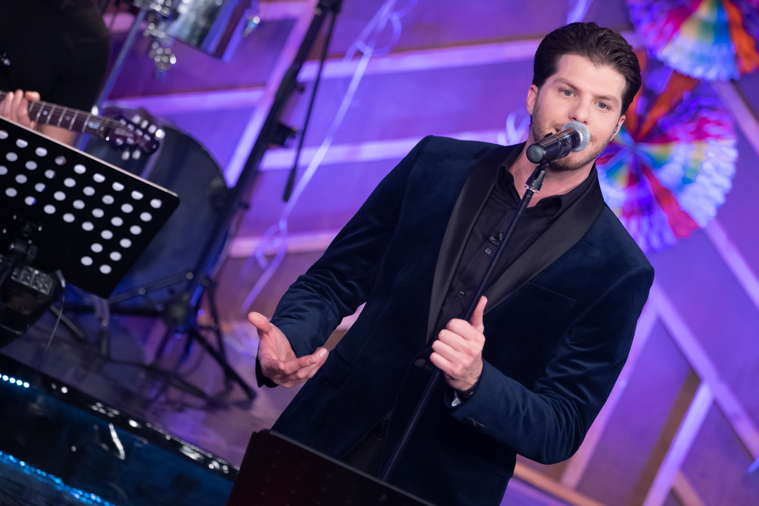 """Αυτό το Σάββατο 13 Μαρτίου, η εκπομπή """"Στα Τραγούδια Λέμε ΝΑΙ!"""" γιορτάζει τις Απόκριες - magdasnews.gr"""